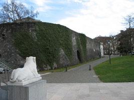 Serpenter dans l'histoire genevoise au parc des Bastions